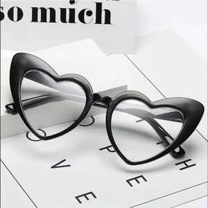 Accessories - New Heart-sharped clear glasses!